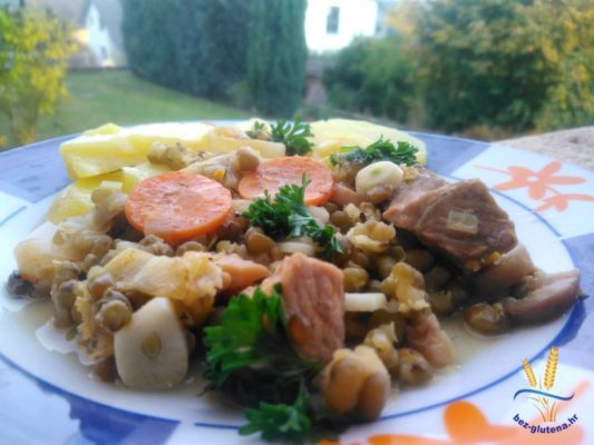 Svinjetina sa mungo grahom i povrćem bez glutena recept